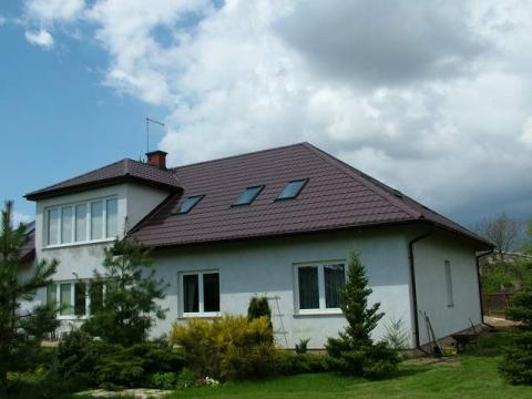 Realizacja budowy dachu na domku jednorodzinnym